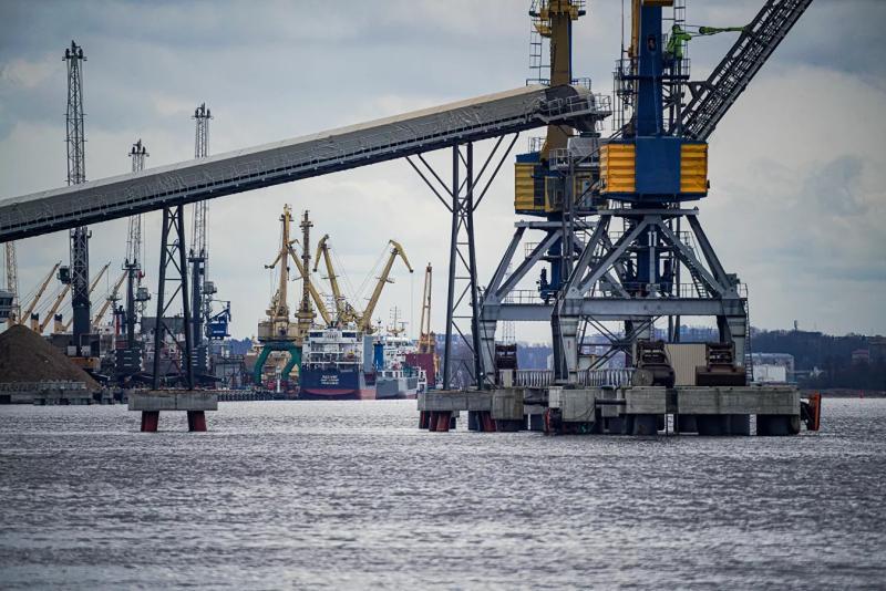 Латвийские порты терпят убытки из-за ухода российский компаний