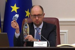 Hyenas feast-2: Yatsenyuk grappled with Poroshenko for control of alcohol